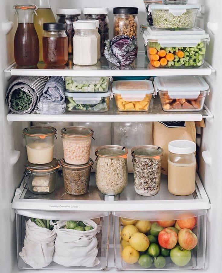 Наводим идеальный порядок в холодильнике: как правильно хранить и организовать продукты, содержать в чистоте полки и многое другое