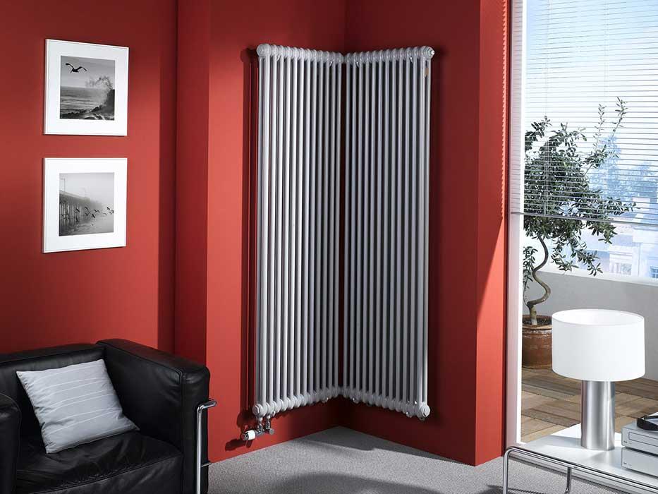 Вертикальные радиаторы отопления - нестандартные, длинные, настенные, фото крепления