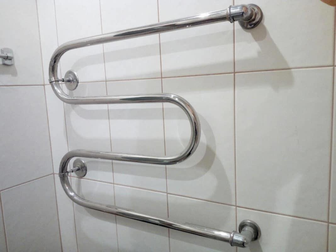 Можно ли убрать полотенцесушитель в ванной