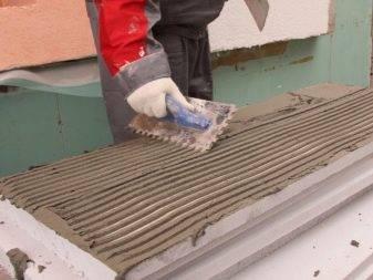 Как утеплить цоколь дома снаружи и изнутри и не натворить бед? Читаем статью