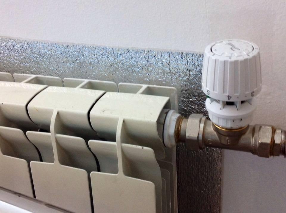 Теплоотражающие экраны за радиаторами отопления - микроклимат в квартире и доме