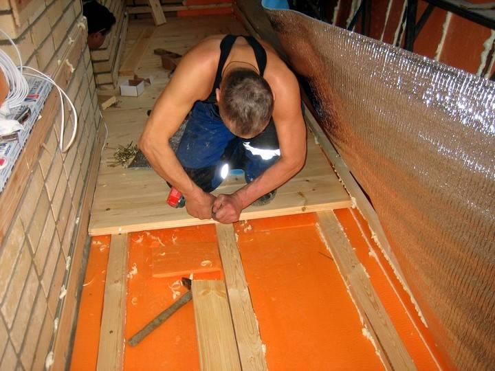 Выравнивание пола на балконе: обзор лучших методов создания ровной поверхности