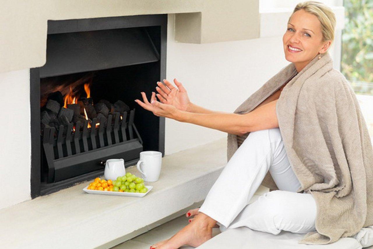 Как построить декоративный камин для квартиры или дома своими руками: рекомендации мастера и особенности монтажа