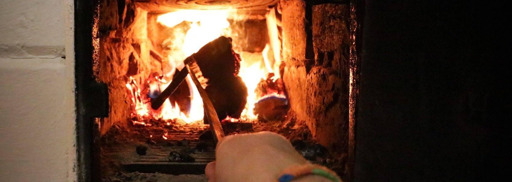 Как топить русскую печь: как правильно растопить дровами