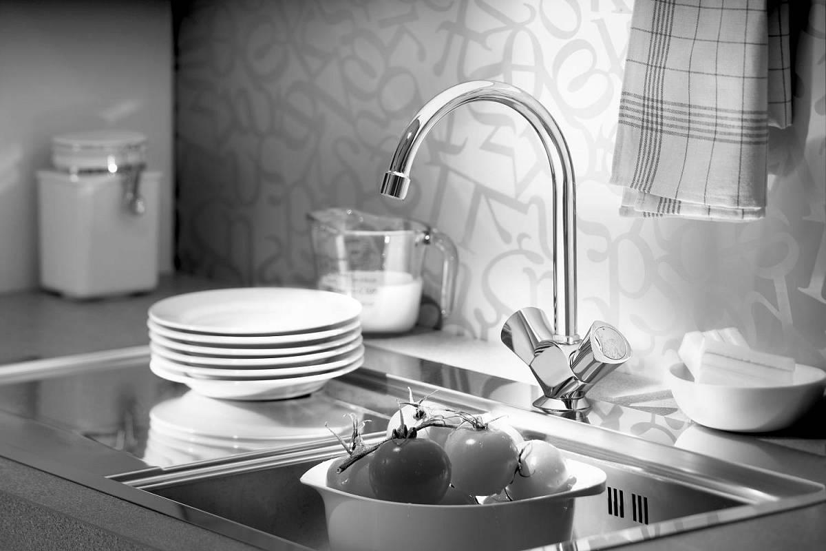 Как выбрать смеситель для кухни: виды, материал, производители