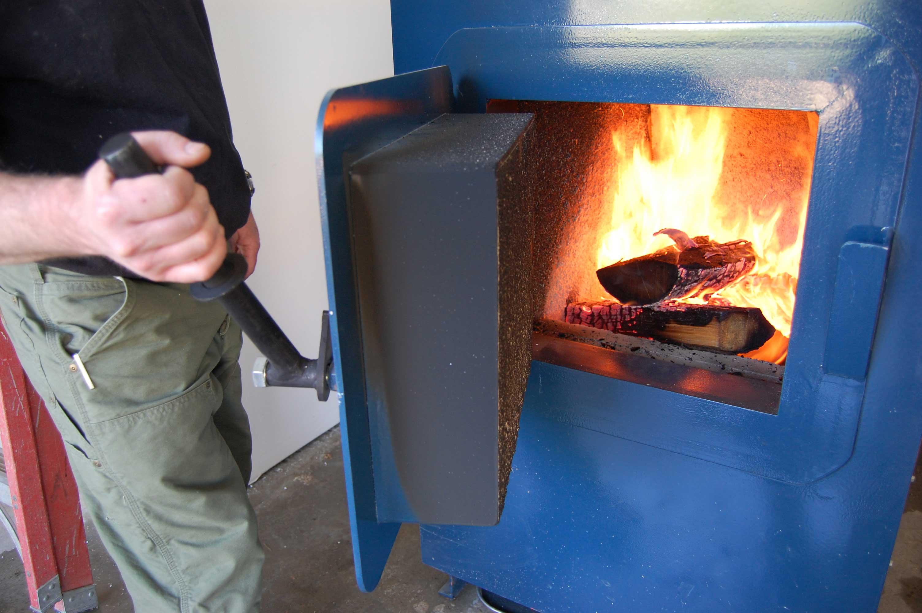 Как топить печь углем, простой алгоритм действий и советы печников