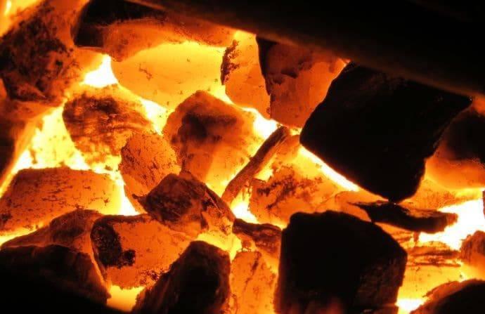 Как топить печь углем? раскрываем все секреты
