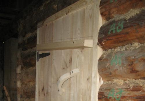 Утепление двери в бане