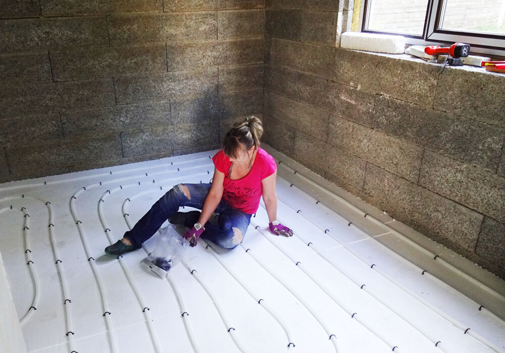 Теплый пол на стену: технология монтажа, плюсы и минусы