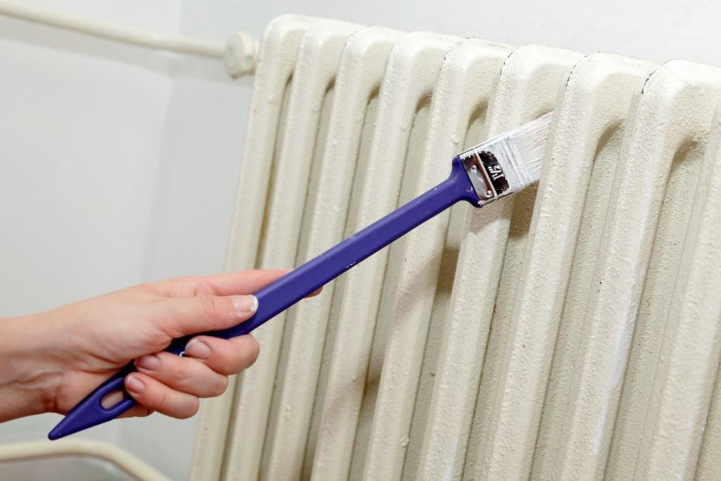 Краска для батарей отопления без запаха, как правильно покрасить радиаторы акриловой эмалью