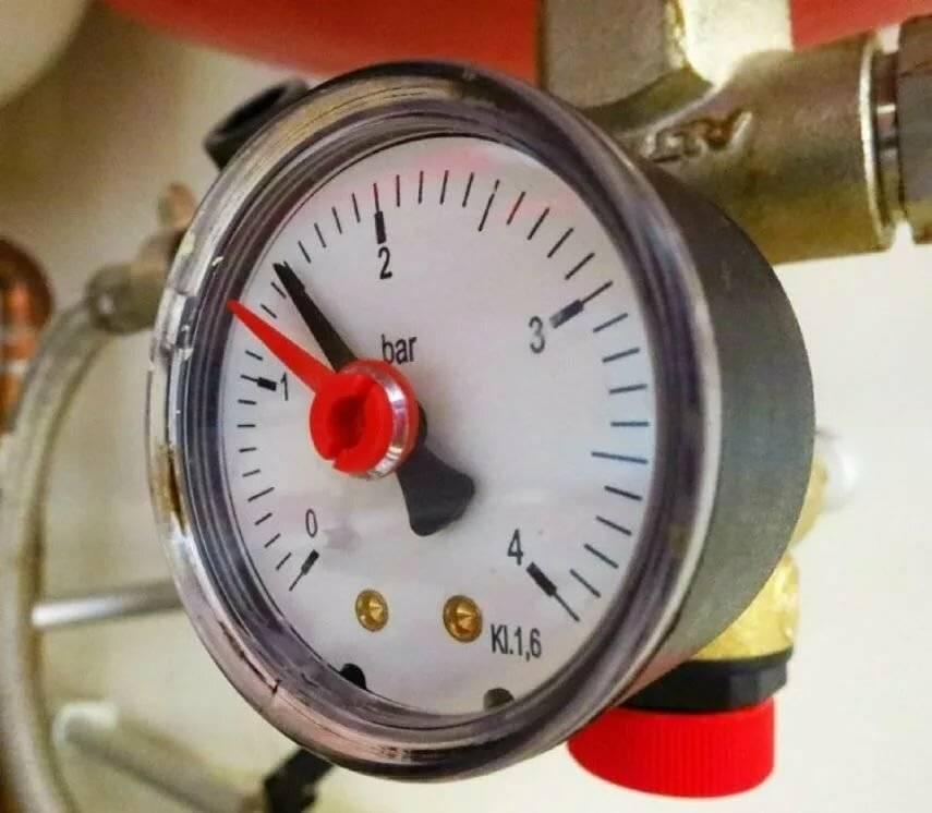 Давление в системе отопления: какое должно быть в закрытой отопительной конструкции, что делать, если оно падает