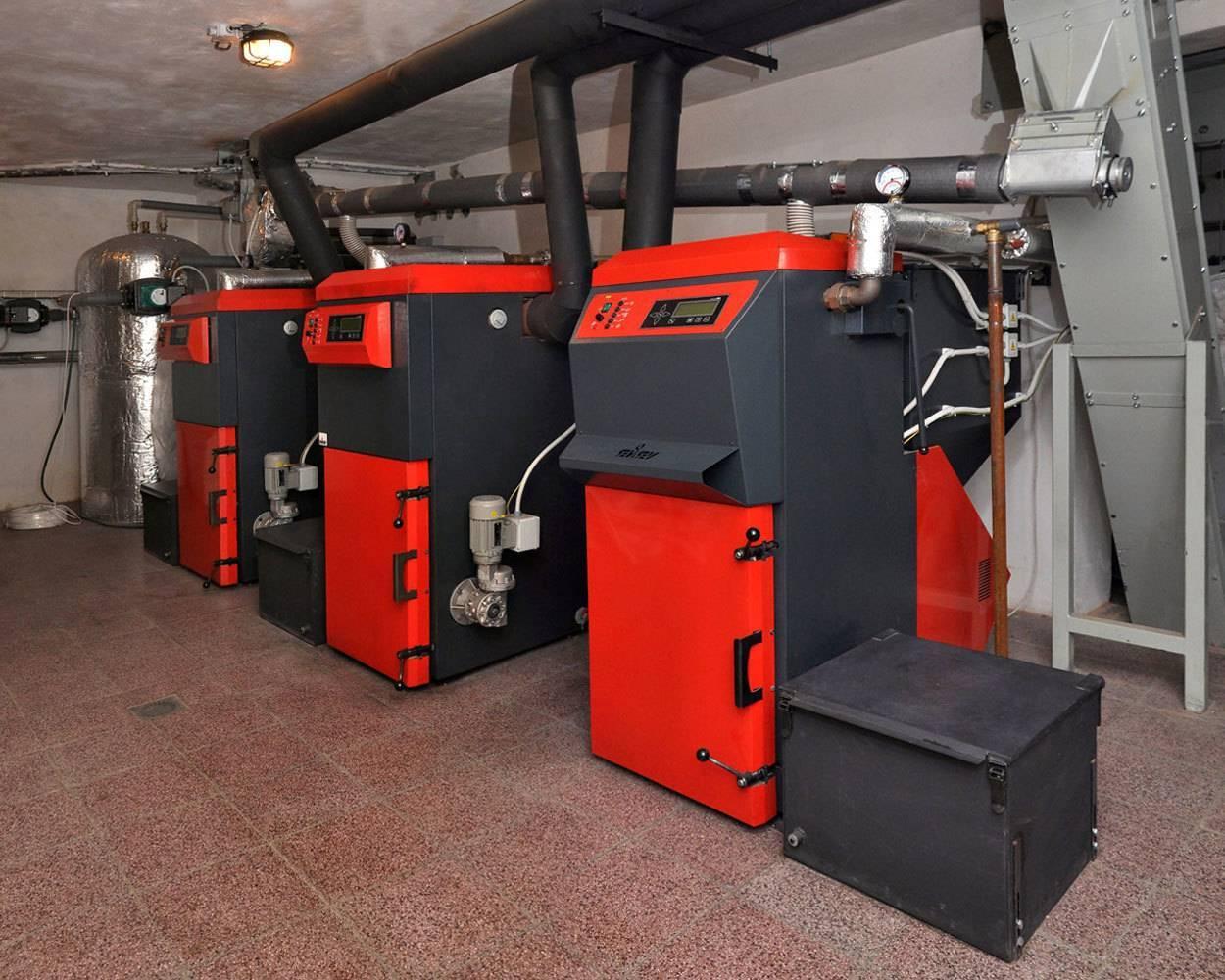 """Котлы на комбинированном топливе """"газ-дрова"""", функциональное устройство, производительность, технические характеристики"""