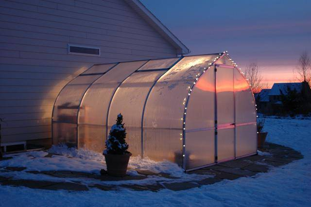 Как сделать своими руками зимнюю теплицу из поликарбоната с отоплением?