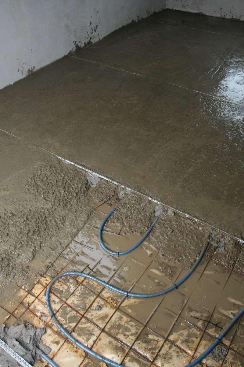 Устройство цементной стяжки на теплом полу