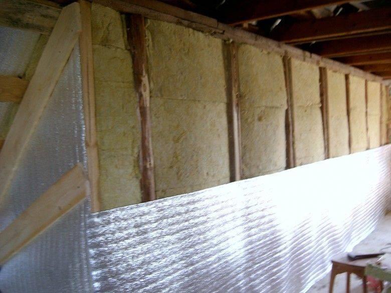 Утепление дома «пенофолом»: применение материала, технология монтажа, отзывы
