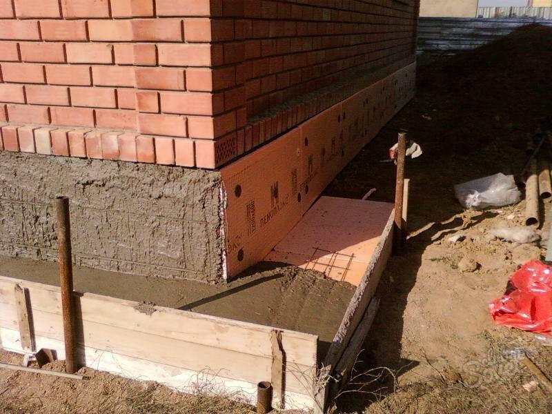 Как и чем утеплить фундамент дома снаружи: технологии, материалы, советы