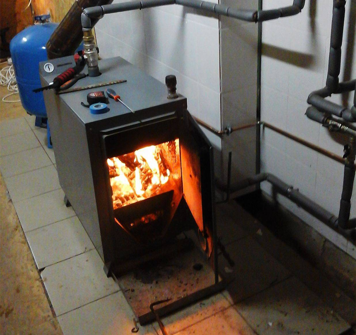 Как устроен дровяной котел для отопления частного дома – принцип работы, преимущества и недостатки, установка