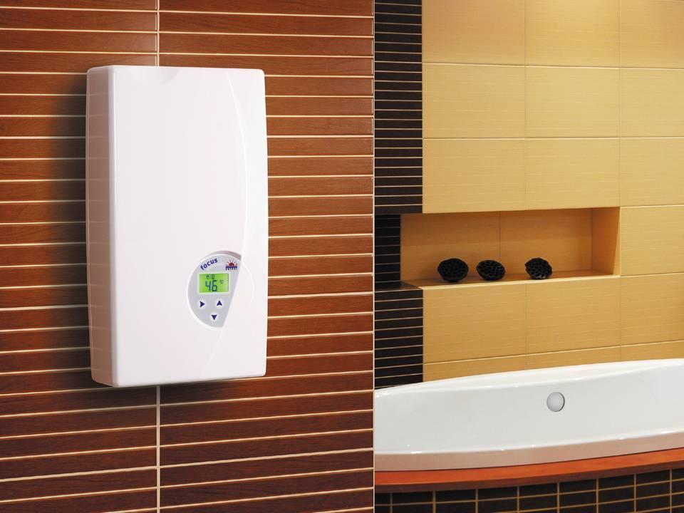 Какой водонагреватель выбрать: проточный или накопительный