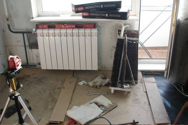 Установка радиаторов отопления своими руками в квартире пошагово