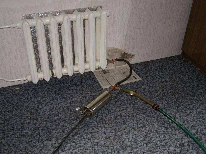 Промывка системы отопления: чем промыть радиатор, гидропневматическая промывка конструкции в многоквартирном доме