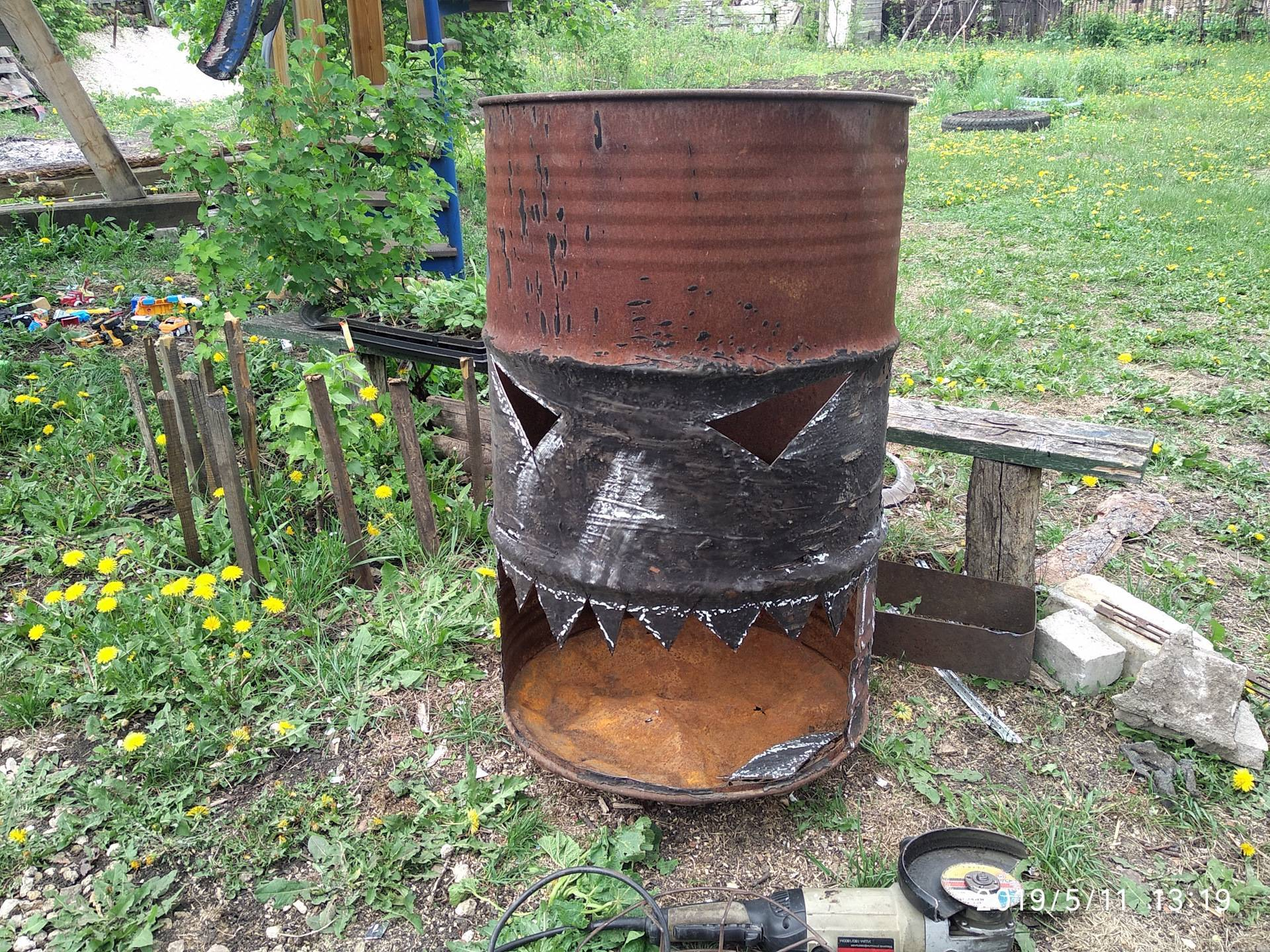 Делаем печь для сжигания мусора своими руками — 2 варианта постройки