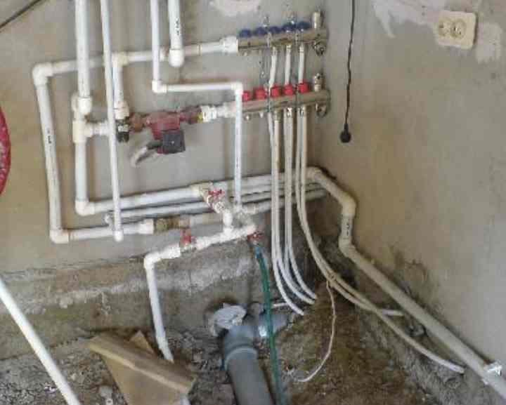 Как сделать отопление в частном доме – выбор котла, труб, радиаторов, схемы разводки