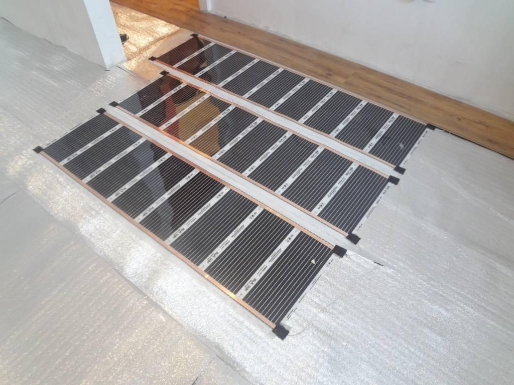 Инфракрасный теплый пол под линолеум своими руками: поэтапный монтаж, как стелить на бетонный пол, укладка линолеума