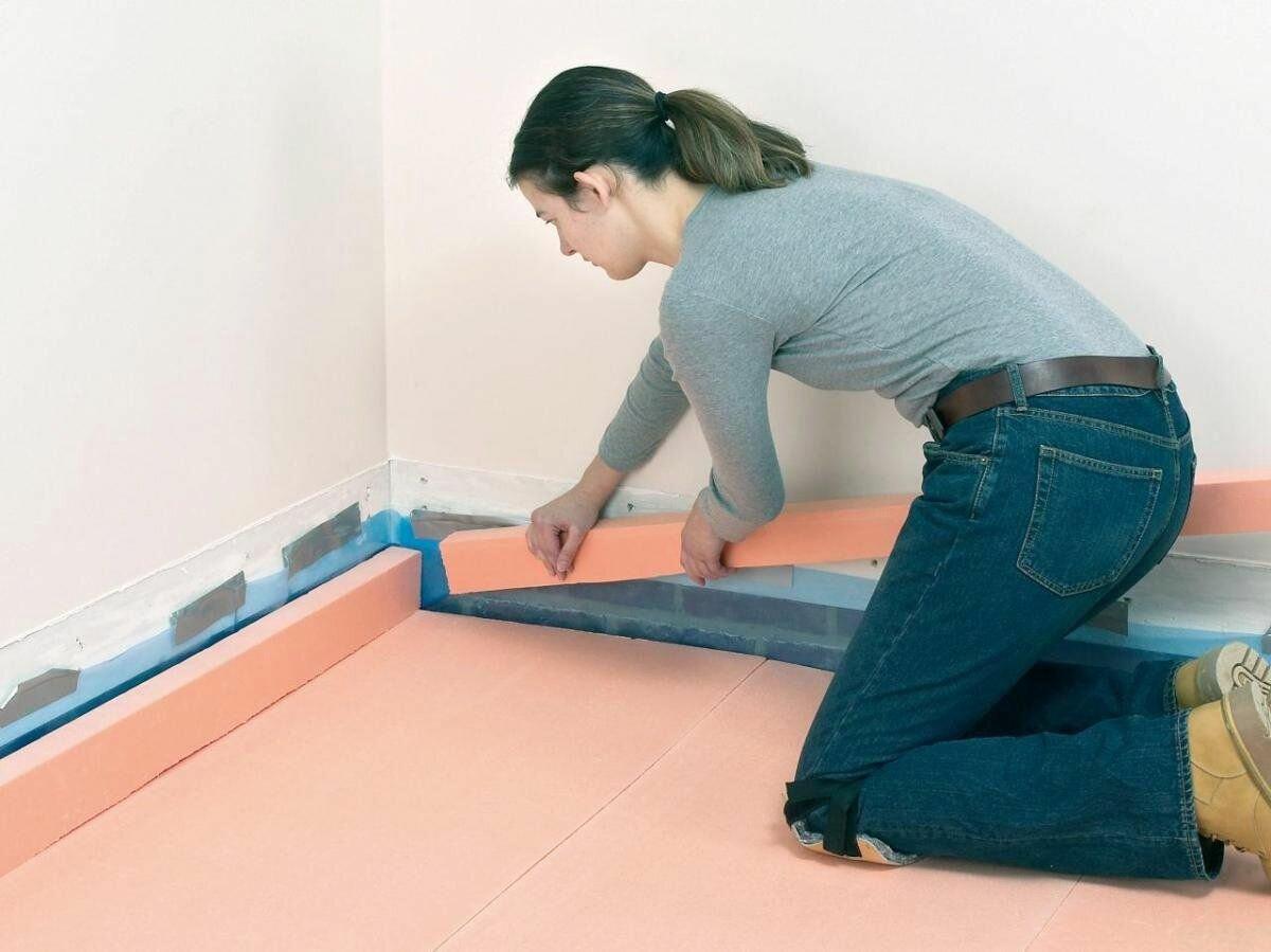 Как выбрать утеплитель на бетонный пол под линолеум и уложить его за один день