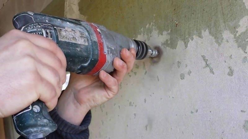 Надежные методы и средства, чем снять краску с металла