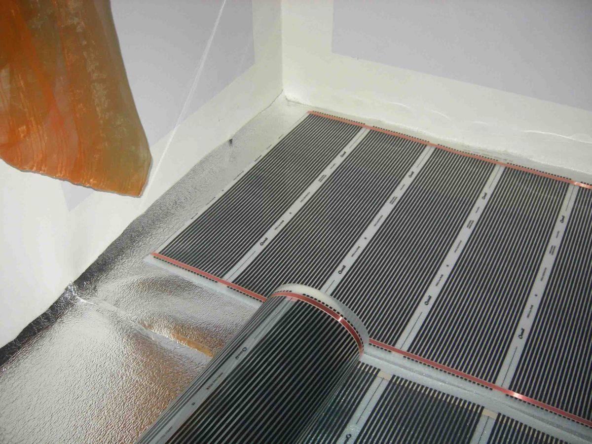 Можно ли класть линолеум на теплый пол