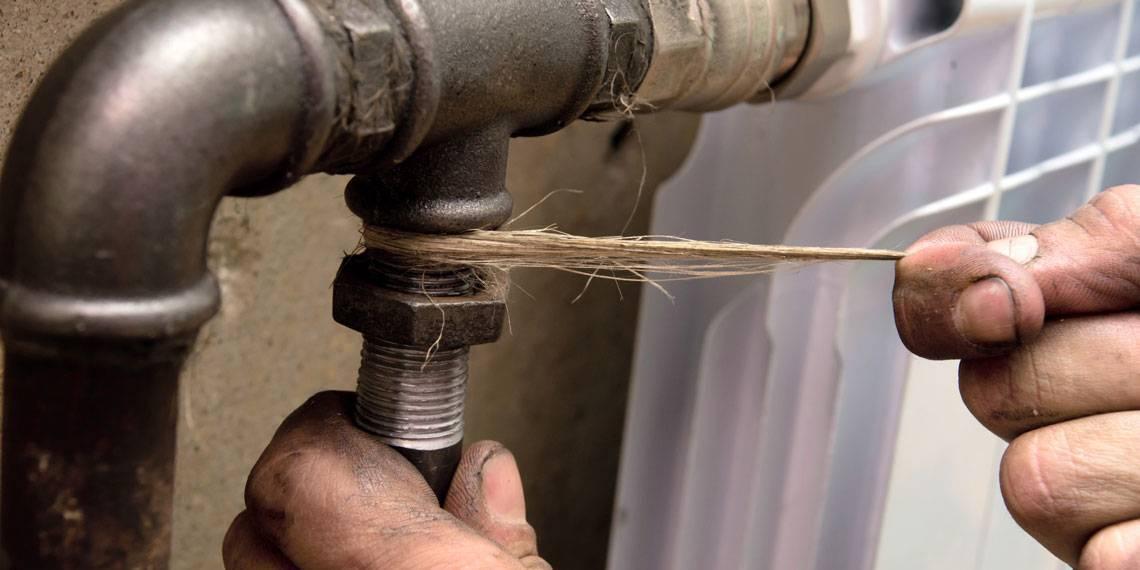 Потек угловой кран на радиаторе. течет батарея отопления что делать, как устранить течь в короткие сроки