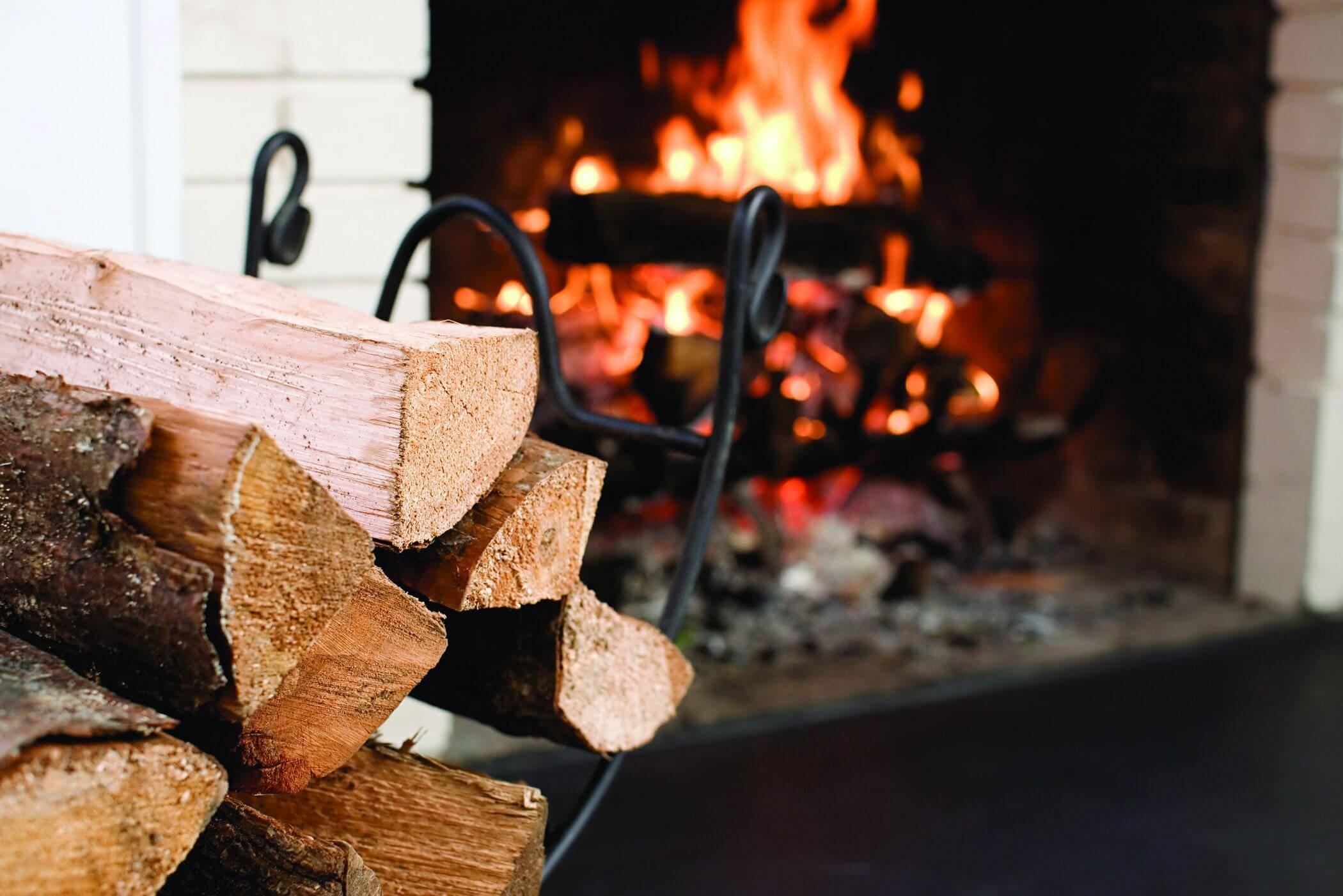 Выбираем дрова для камина - какие лучше и практичнее