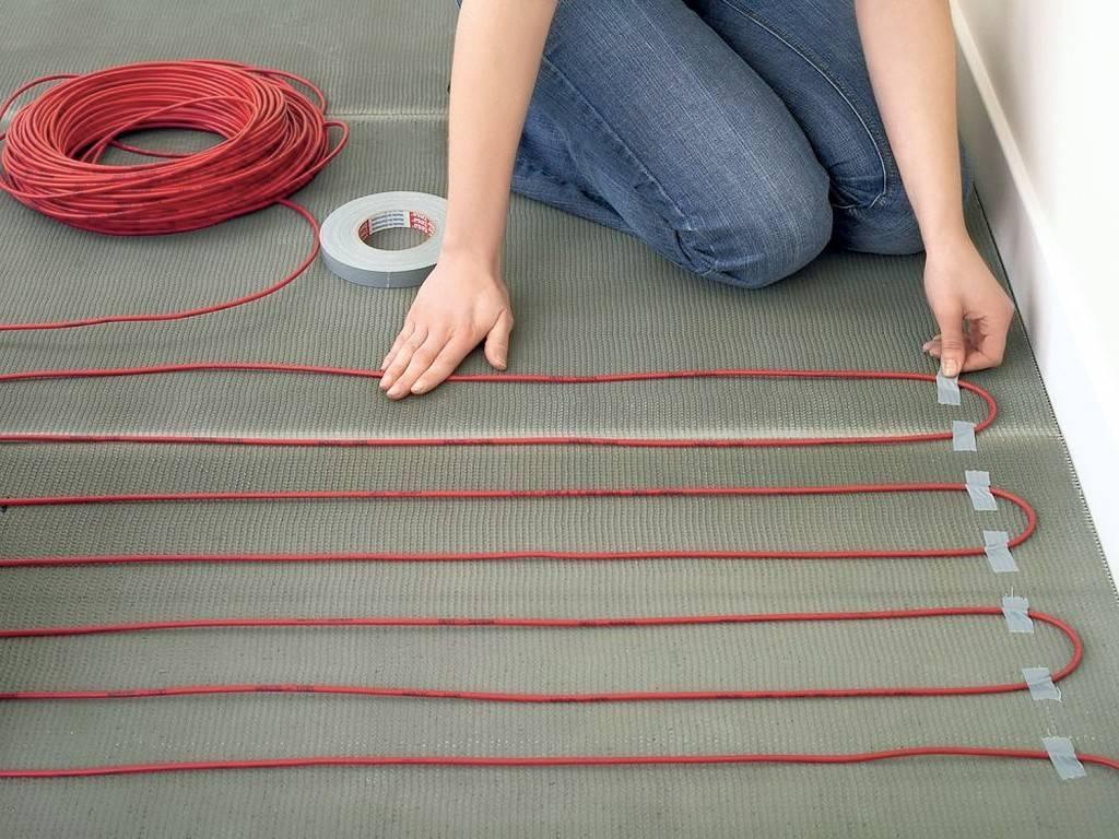 Кабельный теплый пол: греющий саморегулирующийся кабель для пола, нагревательный шнур для подогрева проводного пола, укладка своими руками, характеристики электрокабеля