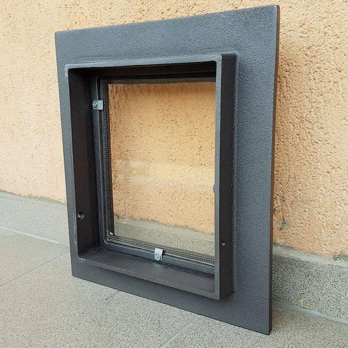 Стеклянная дверка для камина: плюсы и минусы