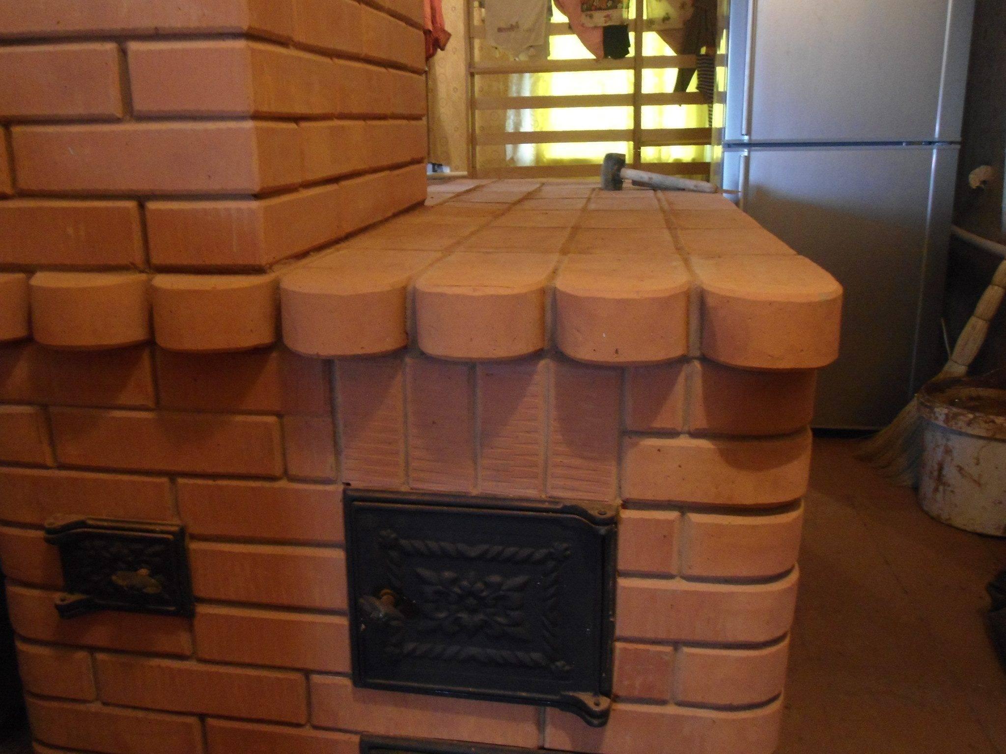 Русская печь с лежанкой: схема кладки печки с плитой, конструкция с камином, лежаком, устройство