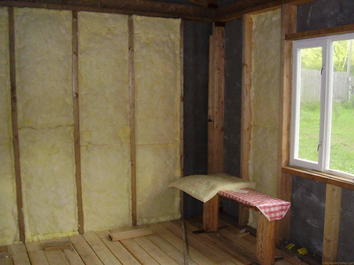 Монтаж утеплителя для стен внутри дома на даче (видео)