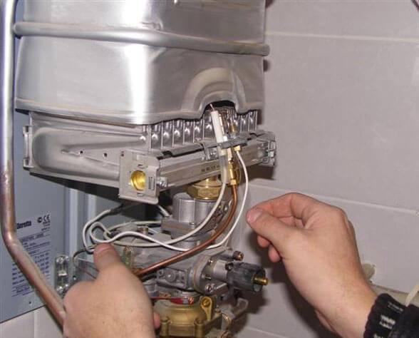 Не зажигается газовая колонка: почему не загорается и не включается, причины поломок, почему тухнет и не работает при включении воды