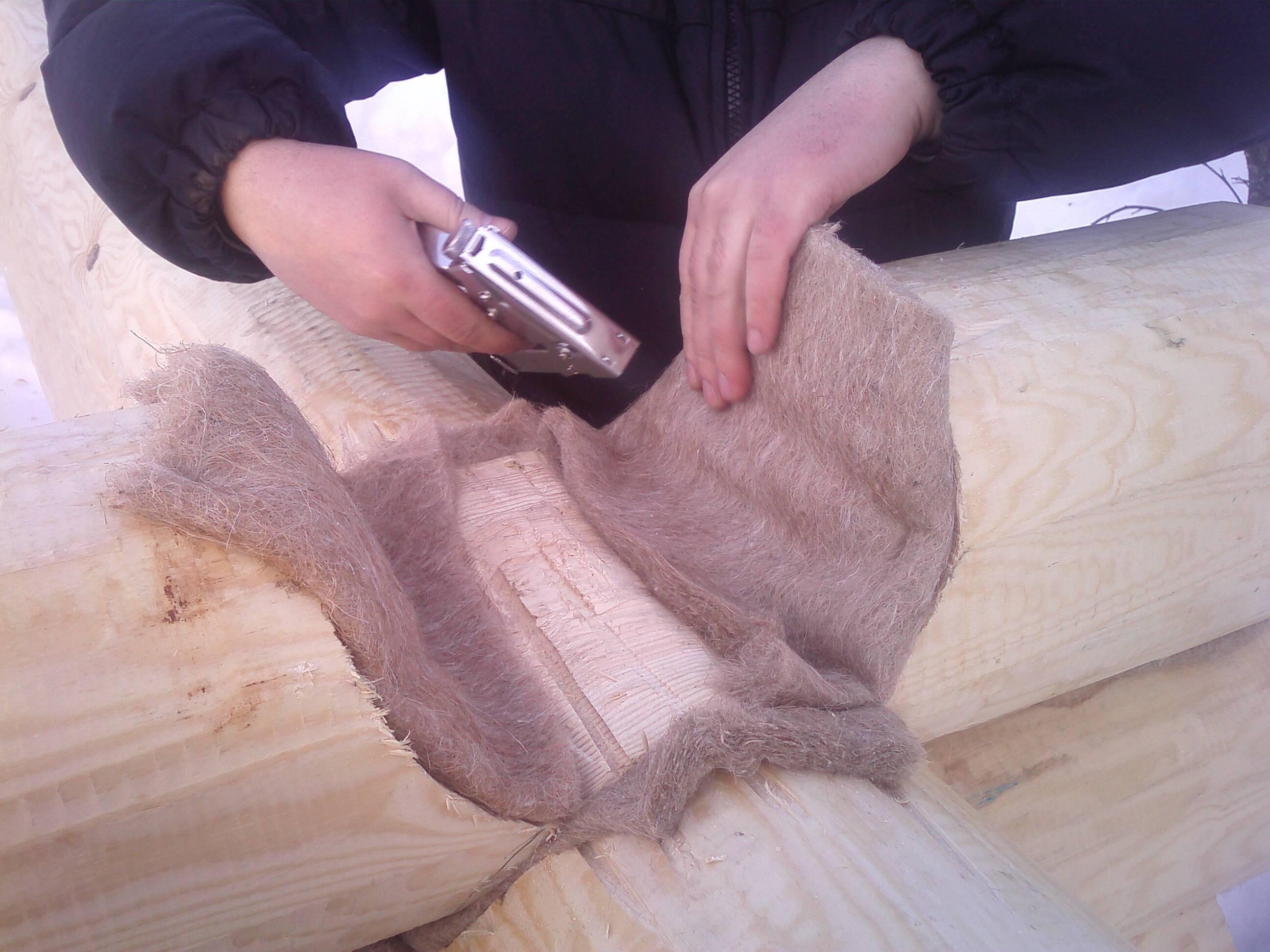 Обработка торцов бревен сруба