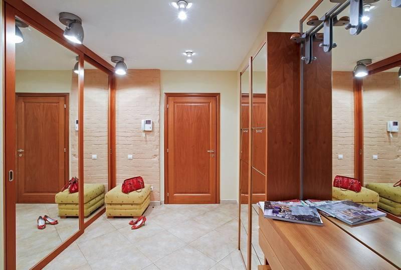 Какой выбрать дизайн прихожей в двухкомнатной квартире - отделка, свет и декорирование?