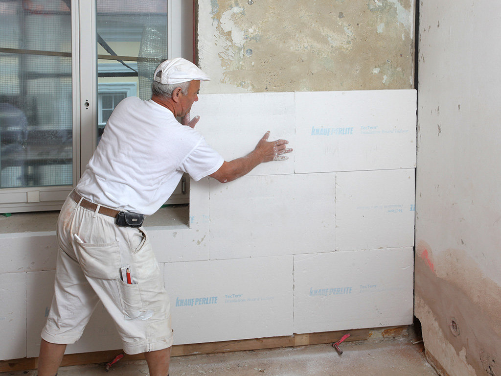 Утепление квартиры: как утеплить стену изнутри и снаружи, как сделать внутри квартиры, способы, выбор материалов