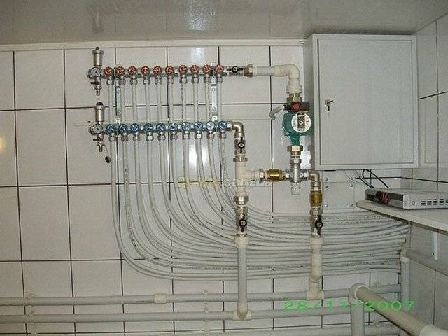 Запуск электрического котла отопления: наполнение системы тепллоносителем, удаление воздуха и другие мероприятия.