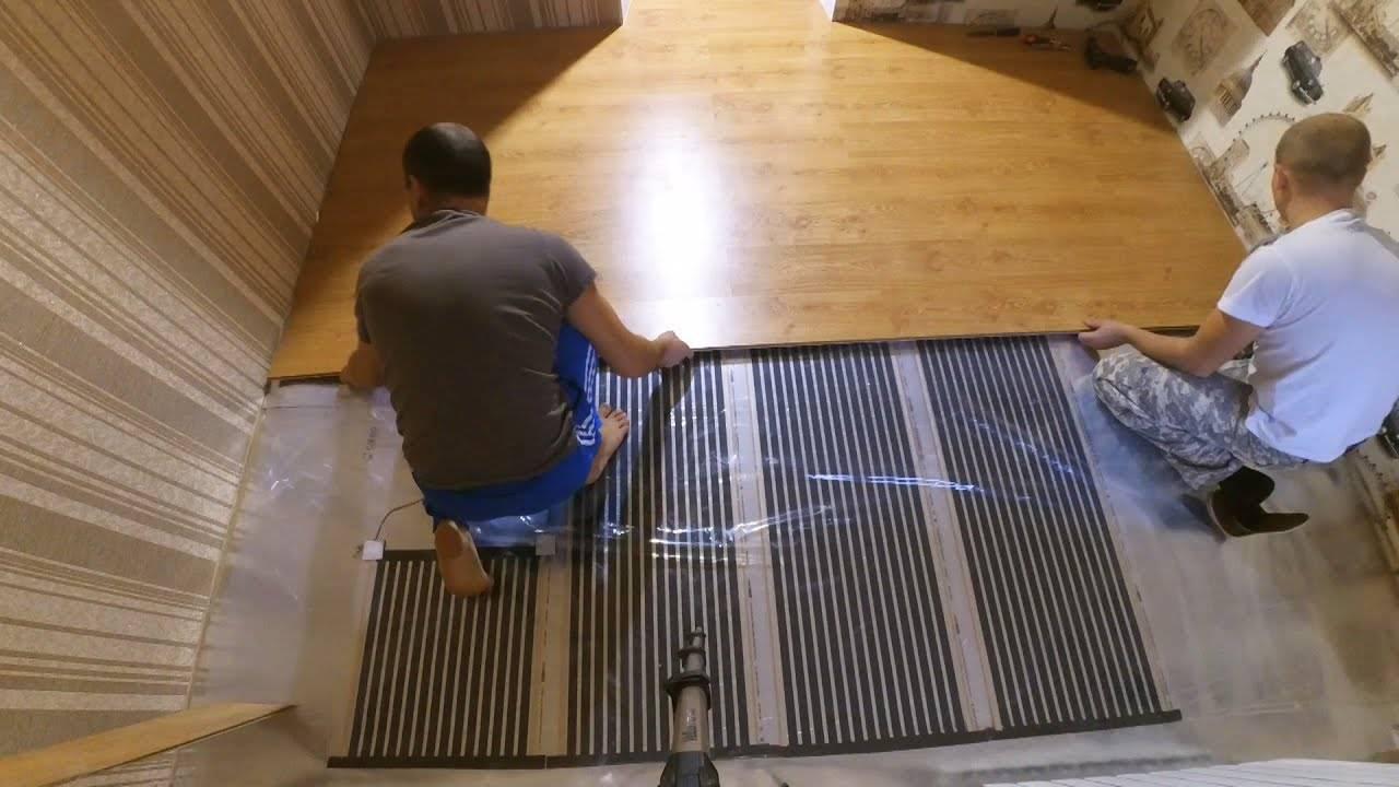 Как выбрать ковролин для квартиры: на что обращать внимание при выборе и рейтинг лучших производителей