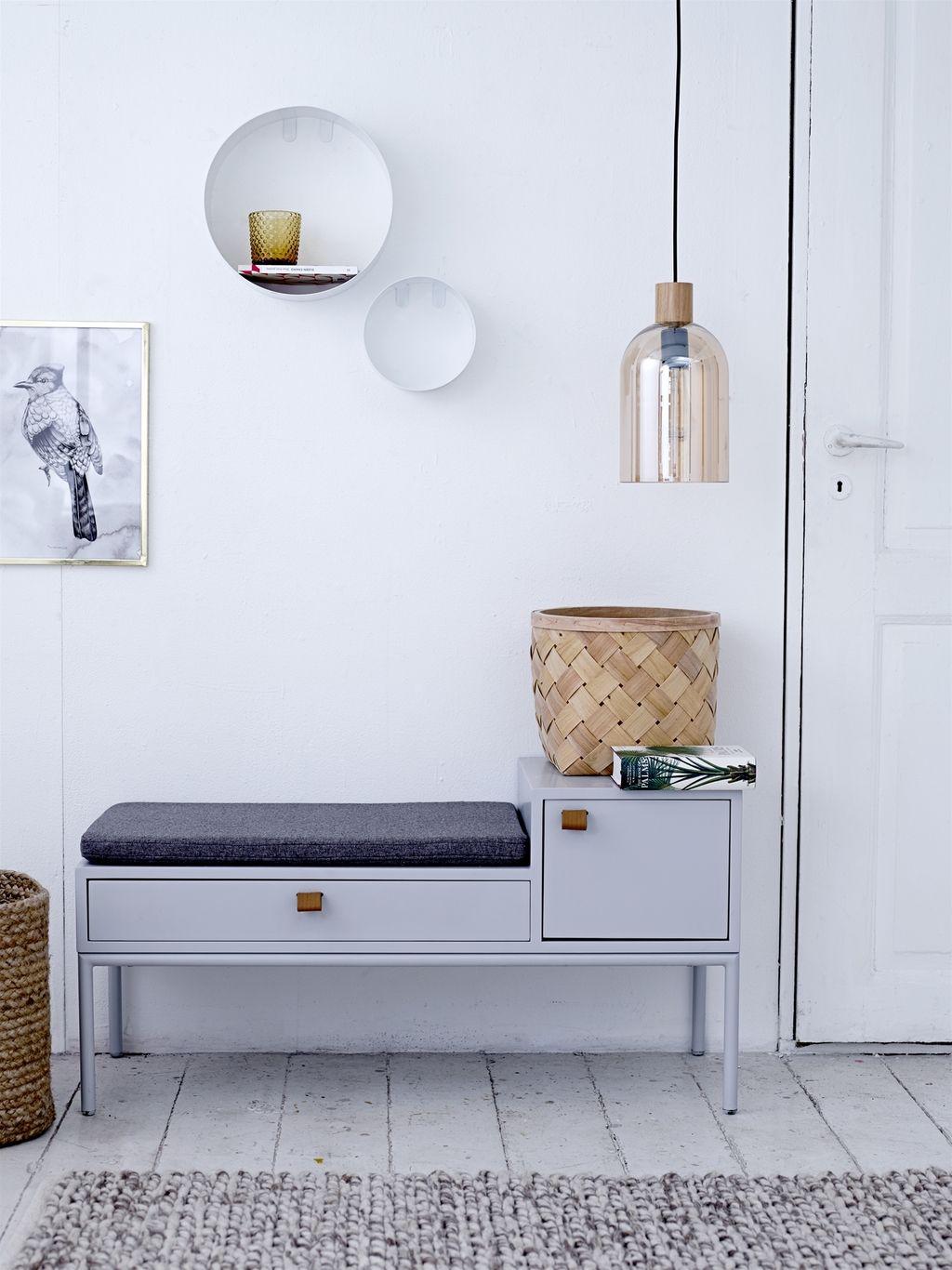 Банкетка в прихожую с сиденьем: спинкой, полкой и другие варианты, фото дизайна