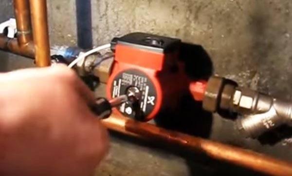 Правильное удаление воздуха из системы отопления – варианты, как удалить воздух