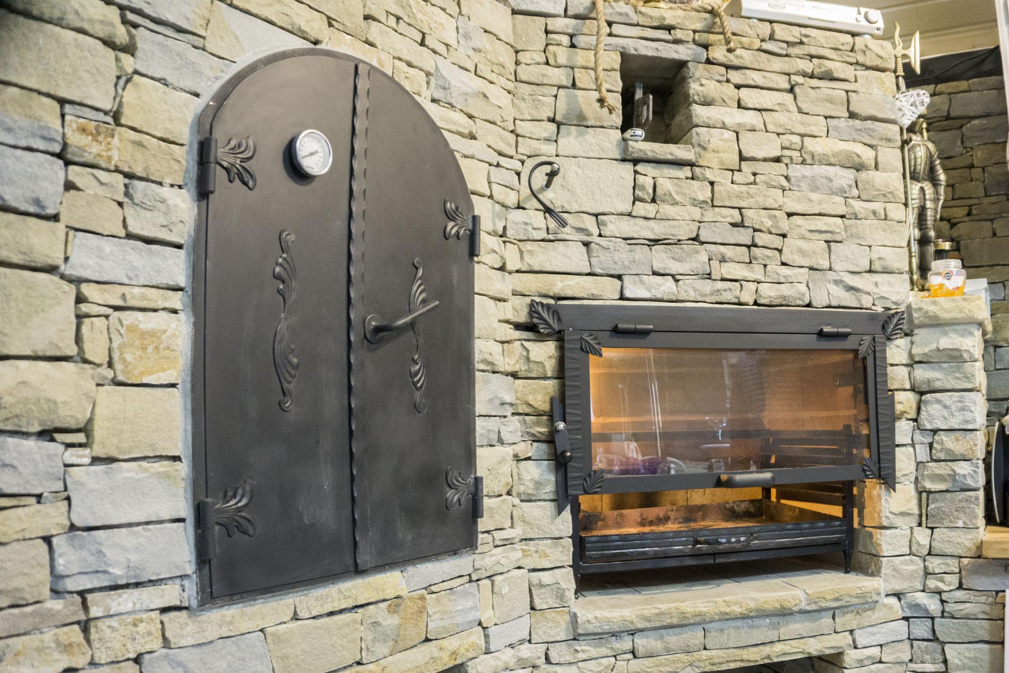 Огнеупорное стекло для камина, характеристики и свойства материала