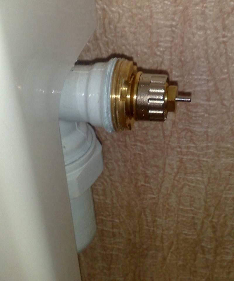 Какой регулятор температуры на радиаторе отопления лучше установить и как это сделать