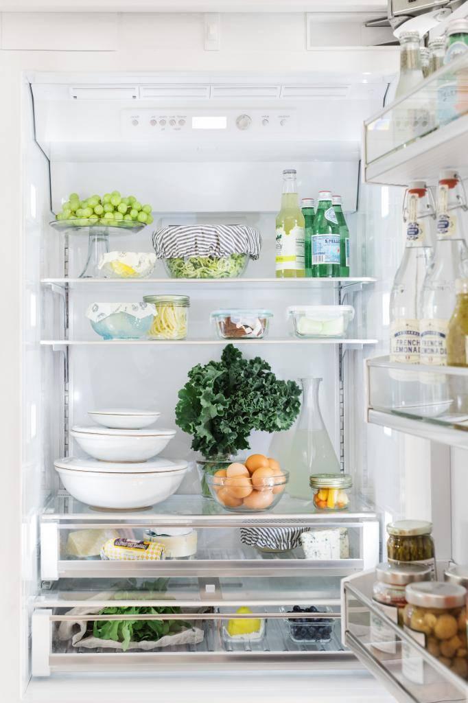 Как навести порядок в холодильнике, пока там не зародилась новая жизнь - лайфхакер