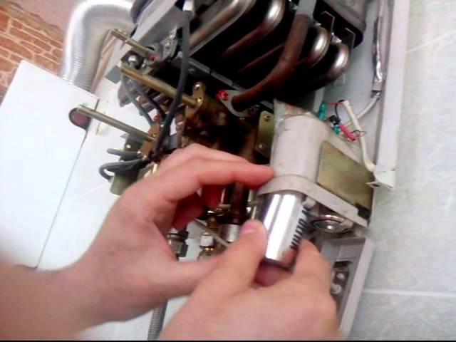 Не зажигается газовая колонка: почему не включается, не работает, что делать, если не сразу загорается