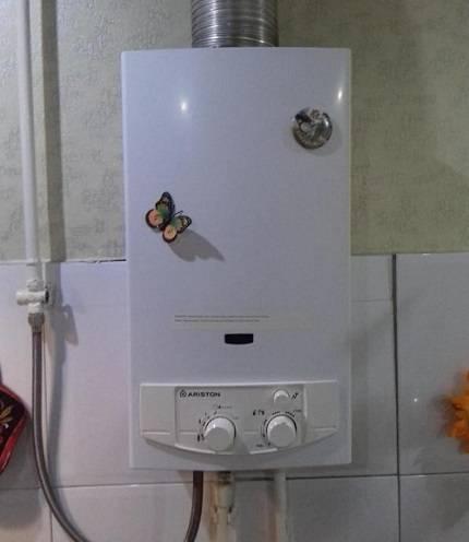 Как выбрать газовую колонку с дымоходом. проточный газовый водонагреватель без дымохода в совмещенный сан.узел
