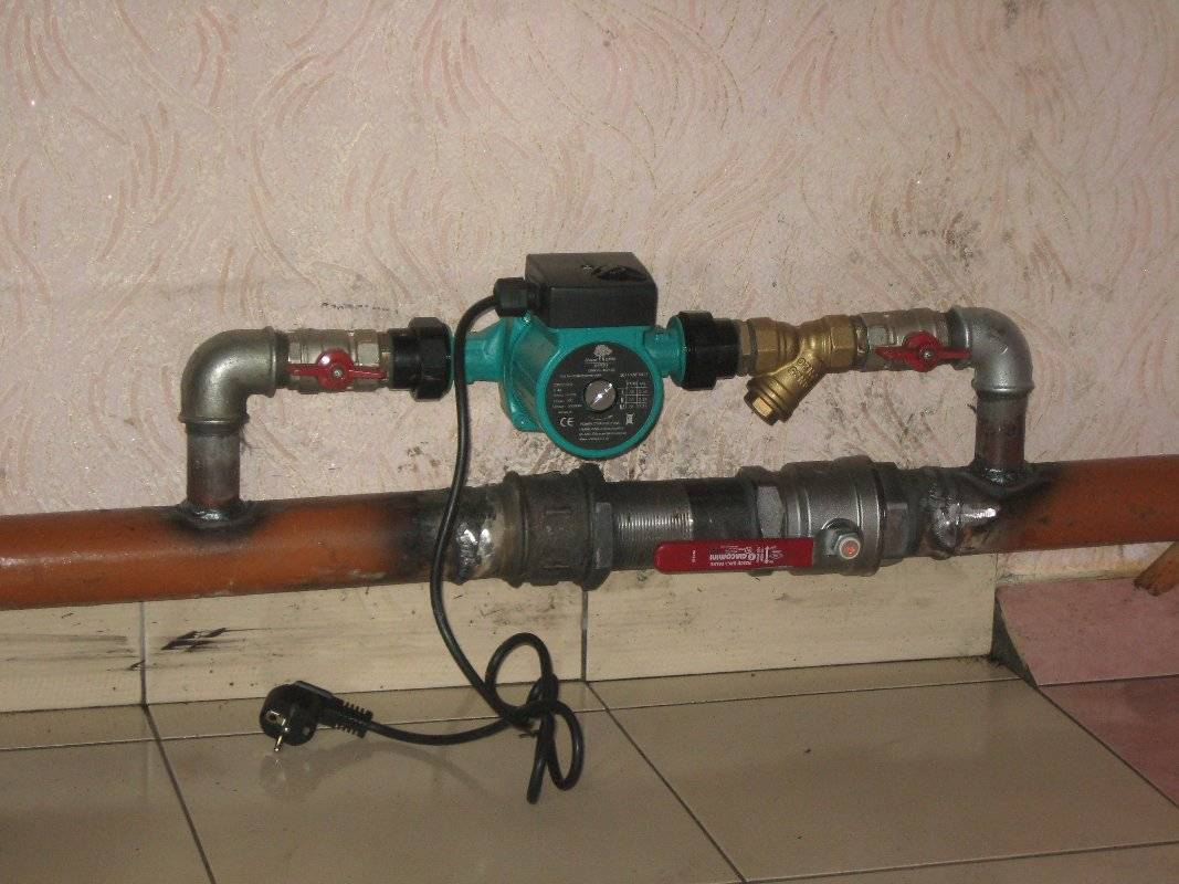 Должен ли греться циркуляционный насос на отоплении - слесарь